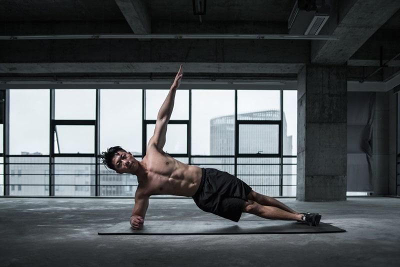 Fitnessmatte im klassischen Workout